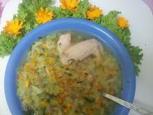 Zupa z młodej kapusty z batatem i majerankiem