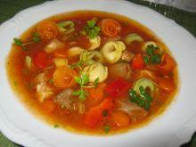 Zupa z papryką i z pierożkami