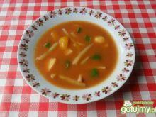 Zupa z papryką i ziemniakami