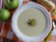Zupa z pasternaku i jabłek