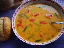 Zupa z pomidorów i fasolki