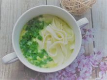 Zupa z serkiem topionym