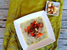 Zupa z soczewicą, ziołami i kiełbasą