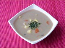 Zupa z suszonych grzybów z tortellini