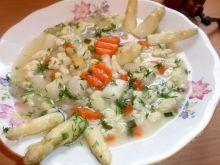 Zupa z szparagami i kluseczkami