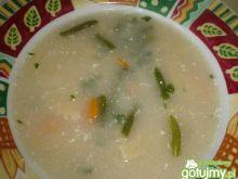 Zupa z zieloną fasolką i makaronem