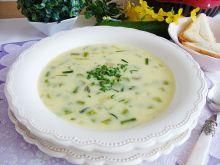 Zupa z zielonych szparagów i dymki