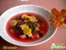 Zupa z żółtej cukinii i buraczków