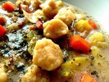 Zupa zacierkowa z boczkiem i ziemniakami
