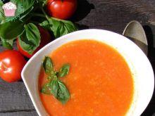 Zupa ze świeżych pomidorów z lanym ciastem