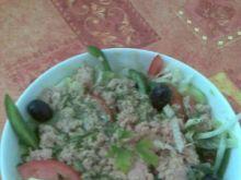 zupelnie inna salatka z tunczyka