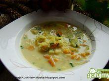 Zupka z kalarepy i ryżu brązowego