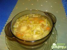 Zupka z kapustą pekińską