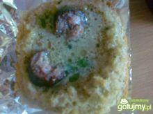 Żurek na kiełbasie z dzika w chlebku