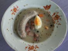 Żurek z jajkiem i kiełbasą
