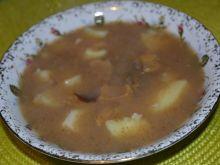Żurek z suszonymi grzybami i ziemniakami