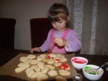 Zwyczajne kruche ciasteczka niezwykły wykonwca