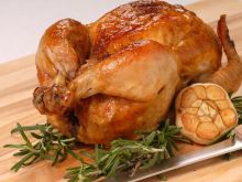 Zwyczajny pieczony kurczak