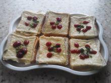 Zwykłe tosty z serem i dipami