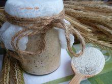 Żytni zakwas chlebowy