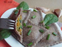 Żytnie ravioli z batatem i szpinakiem