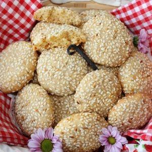 Sezamowe ciasteczka szczęścia - Ciasteczka idealnie nadadzą się na miły prezent.