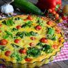 Frittata z brokułem, cukinią i warzywami
