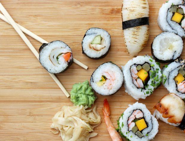 Jak zrobić sushi bez nori?