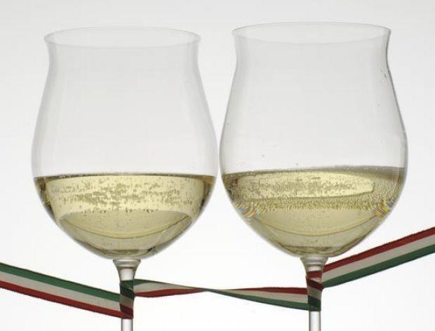 Asti - perliste wino z Piemontu