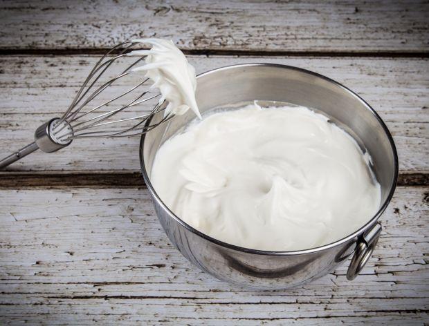 Jak zrobić bitą śmietanę z mleka?