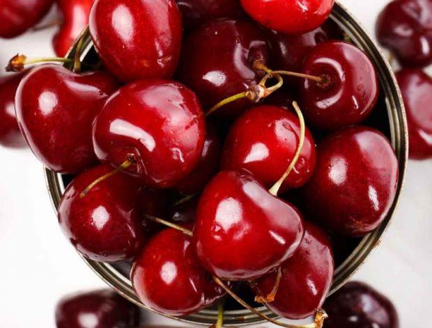 Dlaczego warto jeść czereśnie? - infografika