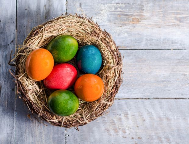 Jak farbować jajka na zielono?