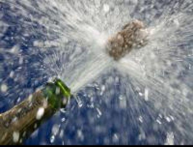 Dziś Sylwester, trwa zabawa, fajerwerki, szampan,
