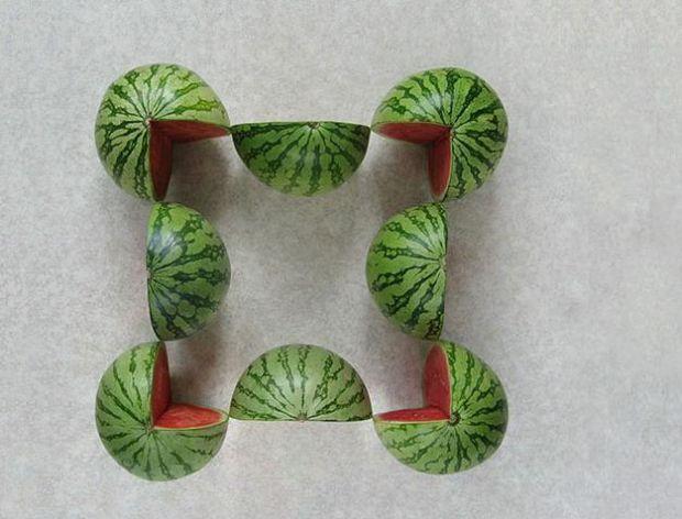 Geometryczna sztuka z owoców i warzyw