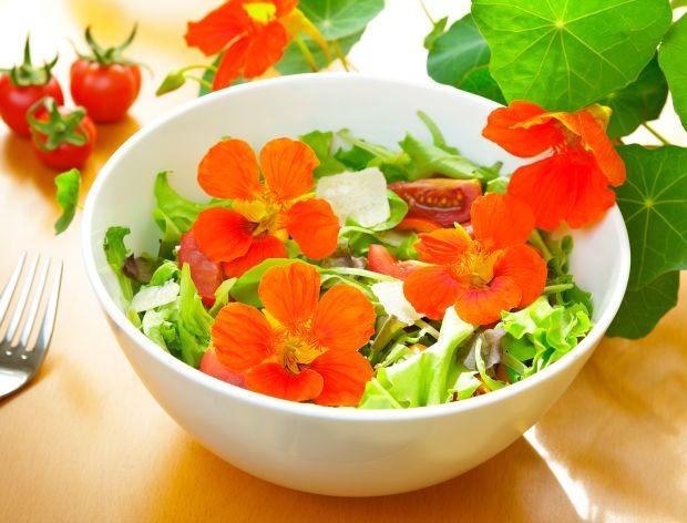 Jadalne bukiety – kwiaty i jedzenie w jednym!