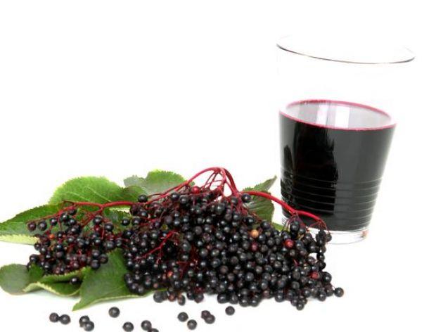 Jak pić kompot owocowy w towarzystwie