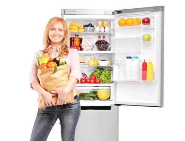 Jak pozbyć się zapachu z lodówki?
