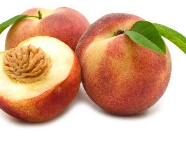 Jak usunąć skórę z brzoskwiń/nektarynek?