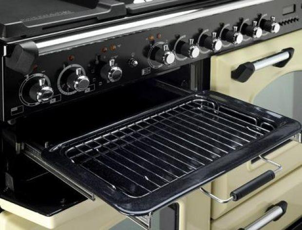 Jak usunąć tłuszcz z kuchenki?