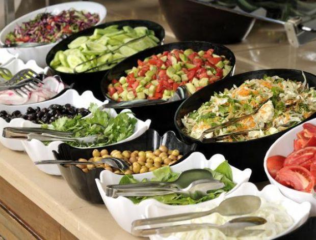 Jak zorganizować szwedzki stół?