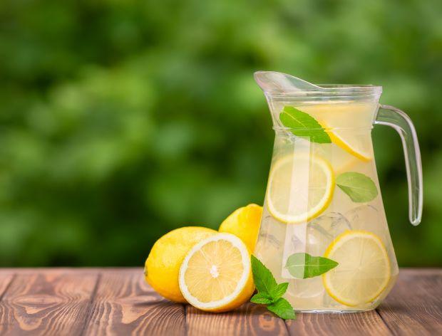 Lemoniada – 15 przepisów na orzeźwiający napój