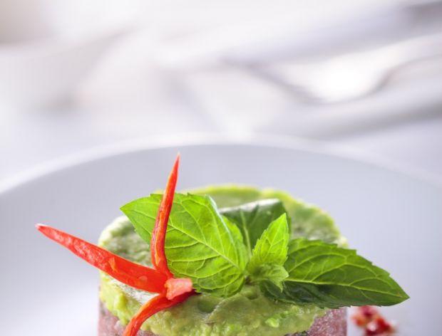Jak zrobić tajską zupę Tom Kha Kai i Tatar z tuńczyka?