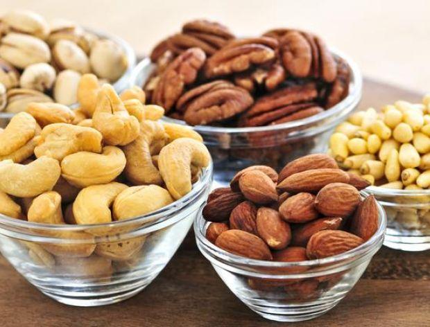 Jakie są korzyści z jedzenia orzechów?