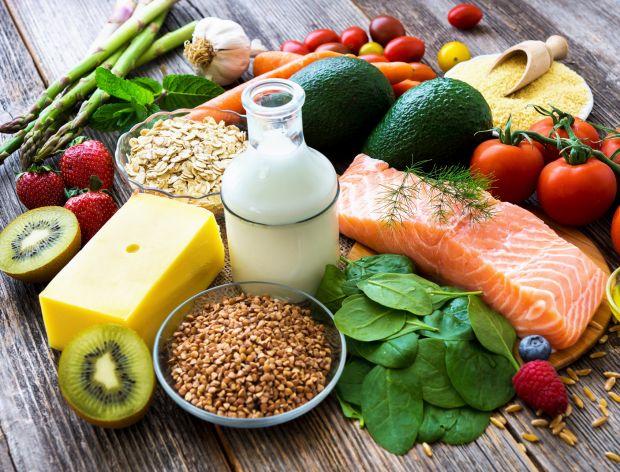 Triki, które sprawią, że przestaniesz wyrzucać i marnować żywność