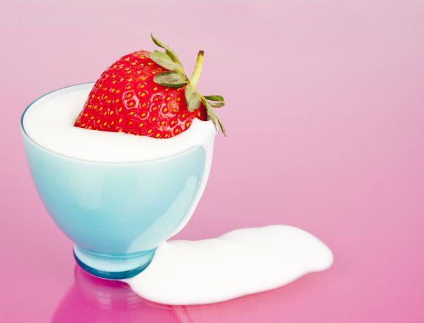 Jogurt - czym jest i jak powstaje?