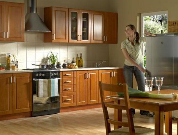 Klasyczny zestaw mebli kuchennych