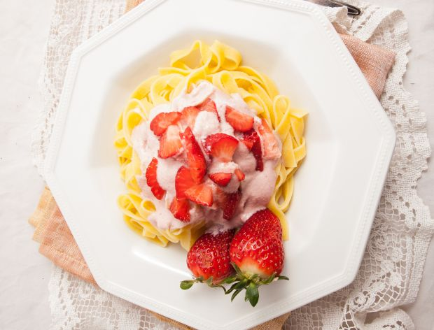 Jak zrobić kluski z truskawkami?