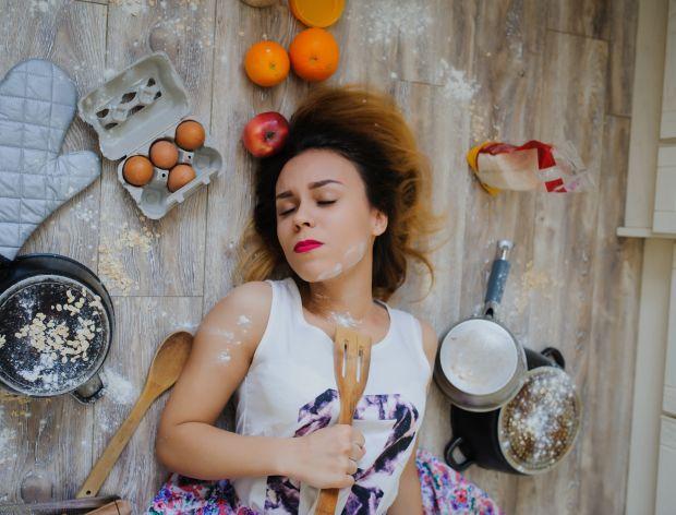 15 rzeczy, które robisz w kuchni jak nikt nie patrzy