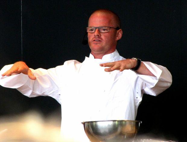 Kuchenny czarodziej dzieli się sztuczkami