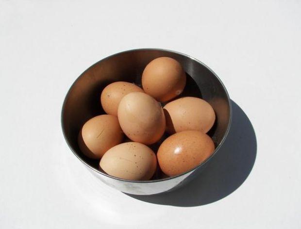 Łatwe jajka bez skorupki